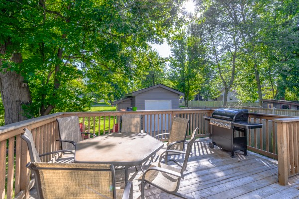Crystal Beach Cottage Rentals - Beebalm Cottage for rent 21 Deck