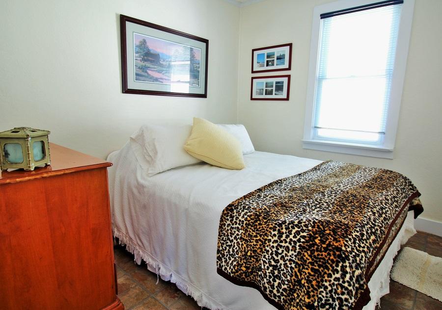 Santa Roca Cottage Master bedroom Crystal Beach Cottage Rentals