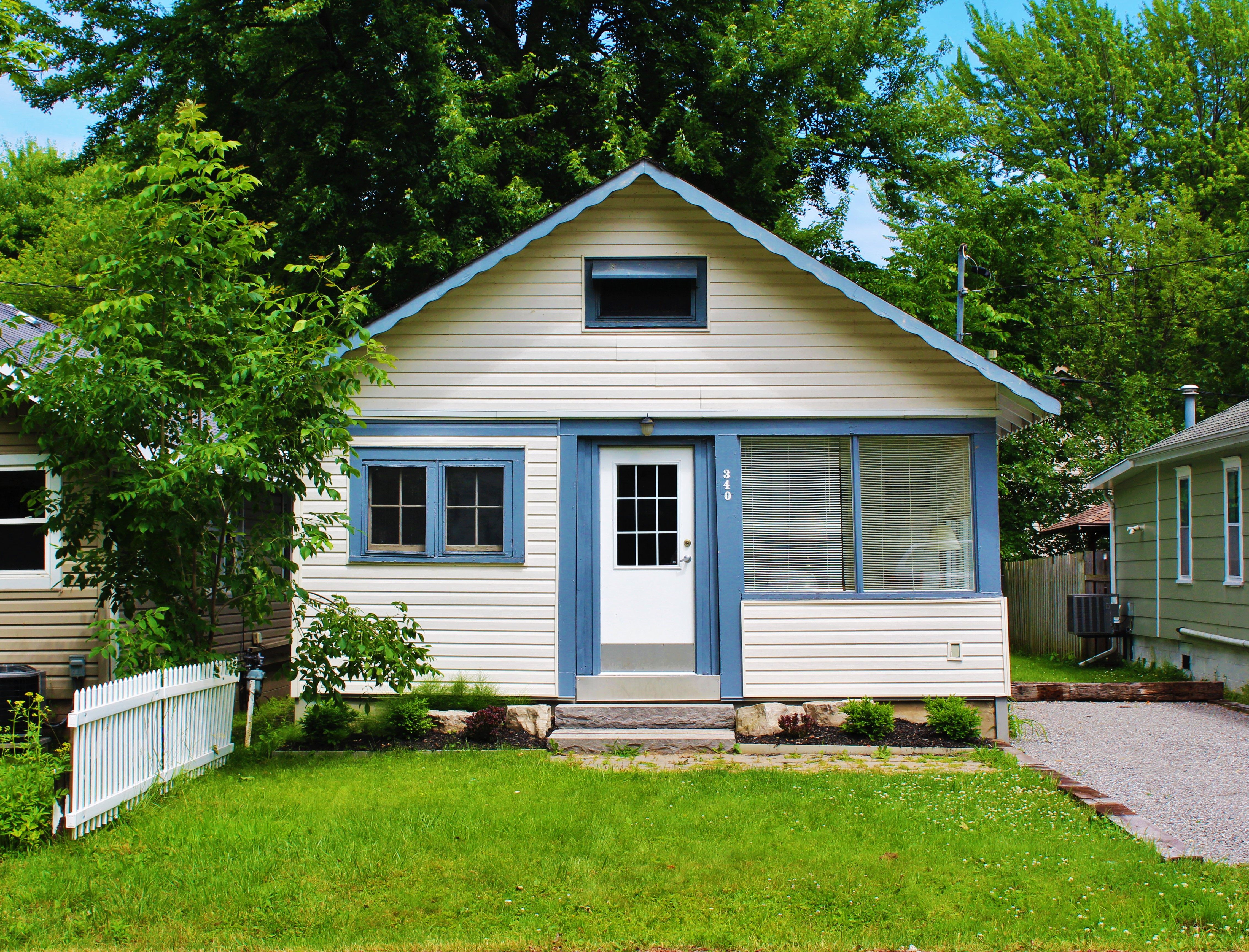 Crystal Beach Cottages For Rent - Bay Beach Bliss