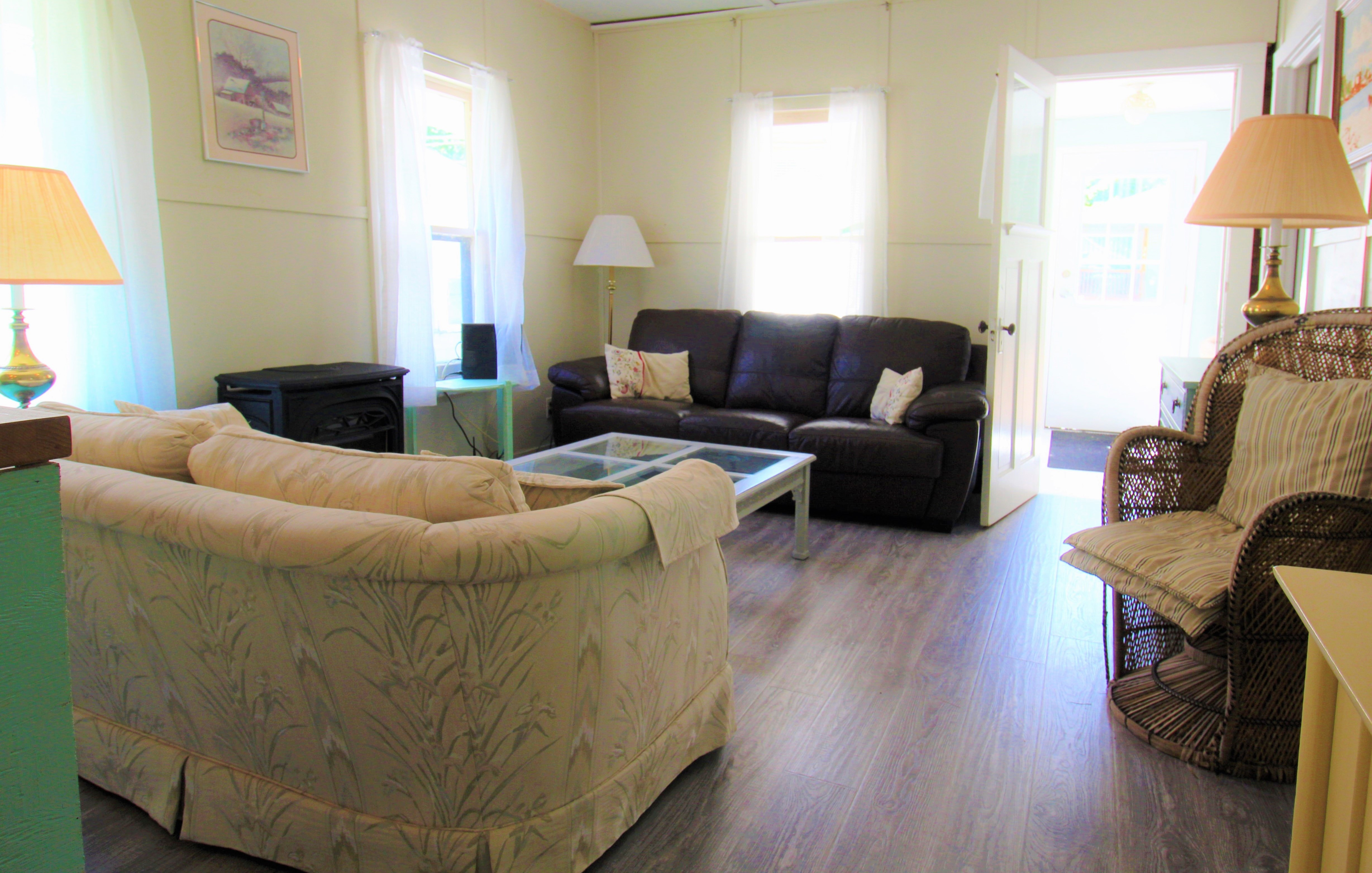 crystal holcroft cottage on rentals couchiching lake property cottages vacations kawartha canada beach