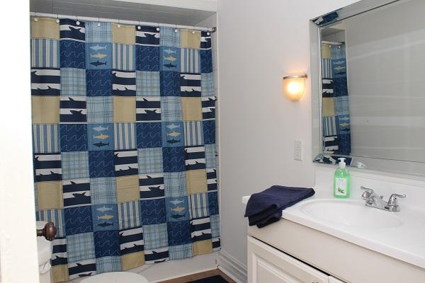 Garden Cottage - 4 Piece Bathroom