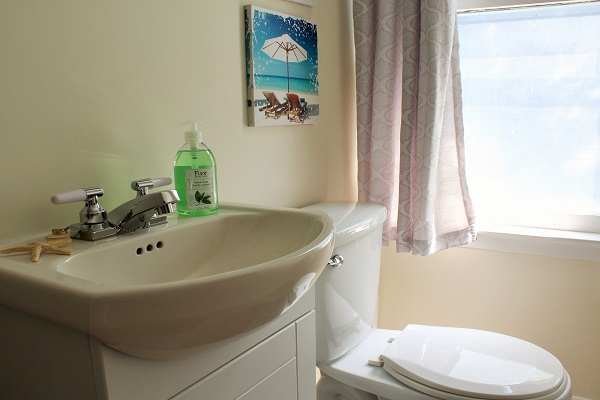 Garden Cottage - Ensuite Bathroom