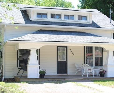 The Garden Cottage Rental - Front Porch