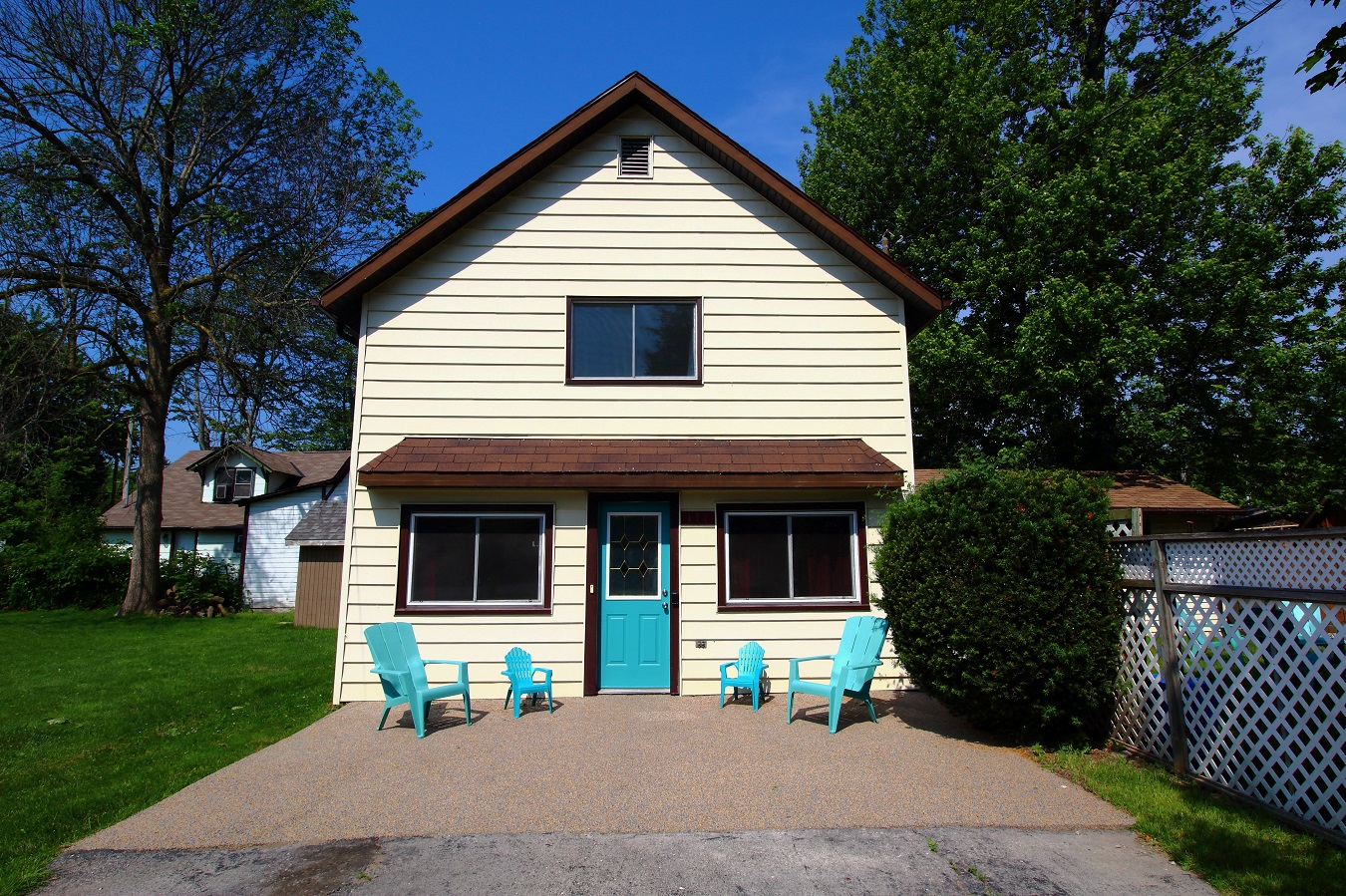 Kozy Kottage Front of cottage Crystal Beach Cottage Rentals
