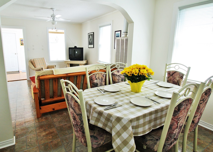 Santa Roca Cottage Living room and dining room Crystal Beach Cottage Rentals