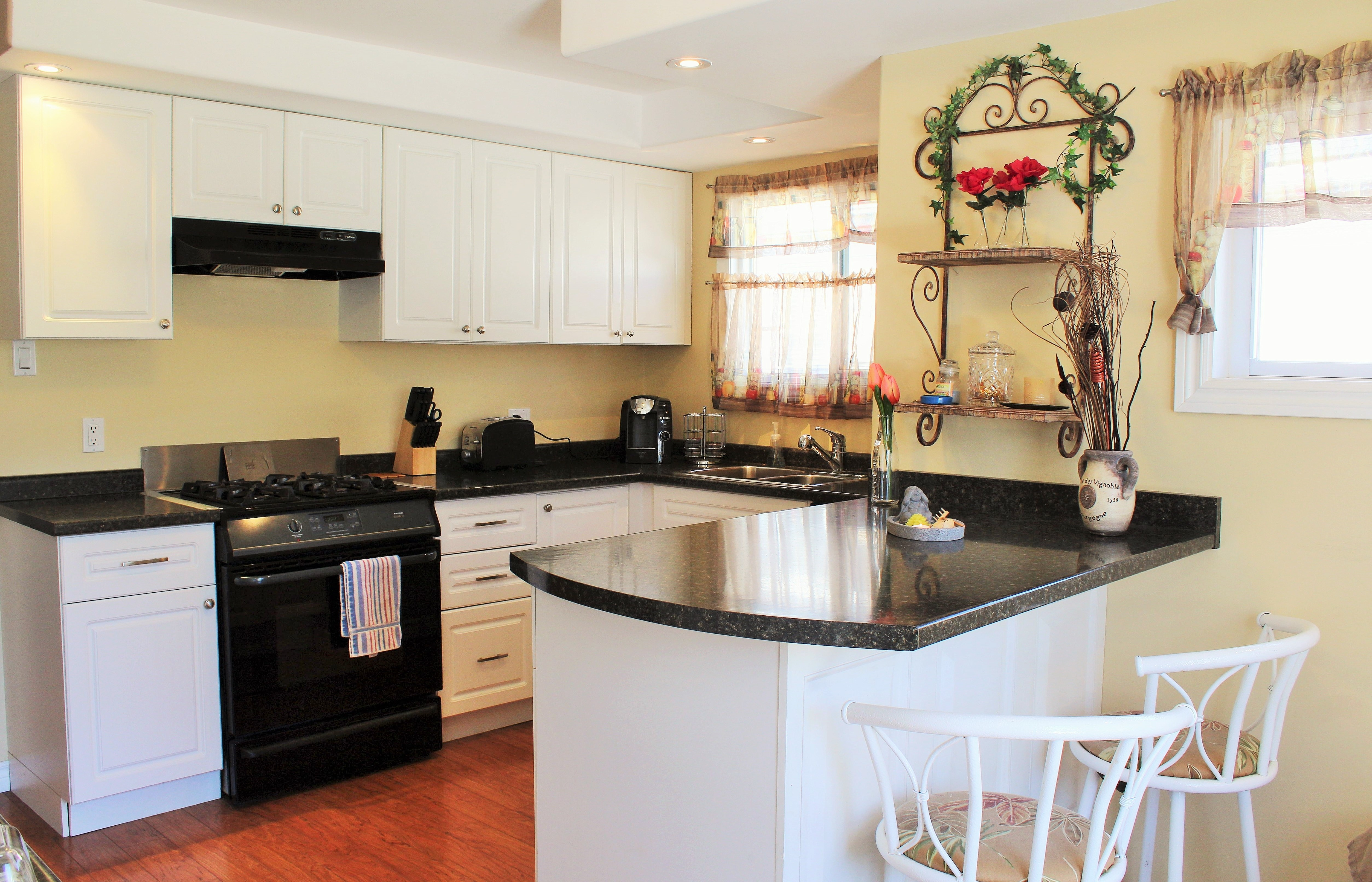 Zen By The Beach Kitchen - Crystal Beach Cottage Rentals