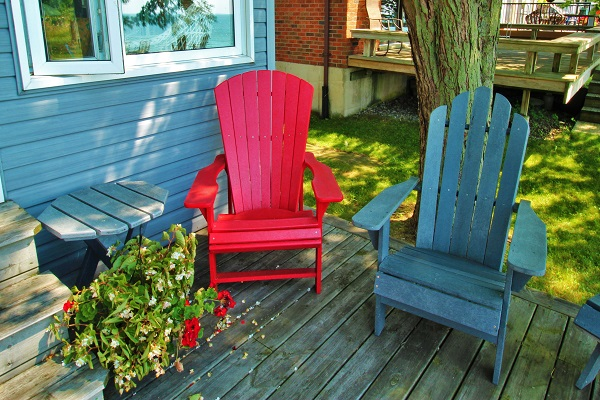 Back Deck - Splash Pad II - Sunset Bay - Port Colborne ON - Water Front Cottage Rentals