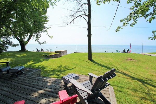 Lake Front View Cottage - Splash Pad II - Sunset Bay - Port Colborne ON - Waterfront Cottage Rentals
