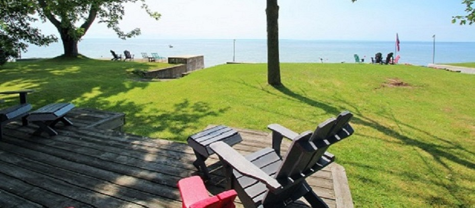 Slider Image - Lake Front View Cottage - Splash Pad II - Sunset Bay - Port Colborne ON - Waterfront Cottage Rentals