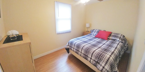 Sunnyside Place - Bedroom 3 - Crystal Beach Cottage Rentals