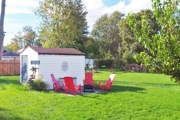 Sunnyside Place - Fire Pit - Crystal Beach Cottage Rentals