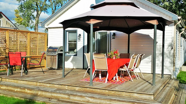 Sunnyside Place - Gazebo - Crystal Beach Cottage Rentals
