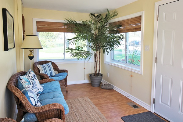 Sunnyside Place - Sunroom - Crystal Beach Cottage Rentals