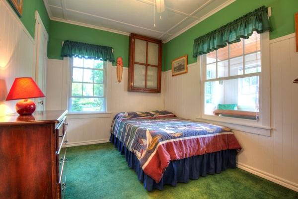 Crystal Beach Cottage Rentals - Cloverleaf Cottage - Bedroom 1