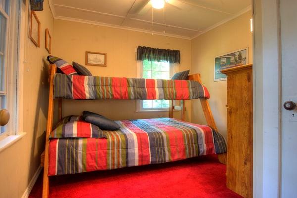 Crystal Beach Cottage Rentals - Cloverleaf Cottage - Bedroom 3