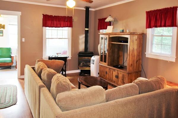 Crystal Beach Cottage Rentals - Cloverleaf Cottage - Living Room (2)
