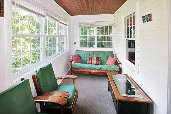 Crystal Beach Cottage Rentals - Cloverleaf Cottage - Sunroom
