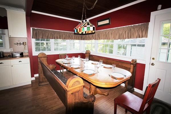 Crystal Beach Cottages for Rent - Cloverleaf Cottage - Dining Area