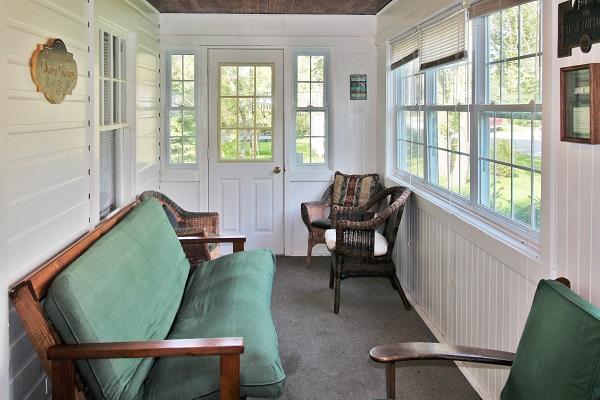 Crystal Beach Cottages for Rent - Cloverleaf Cottage - Sunroom