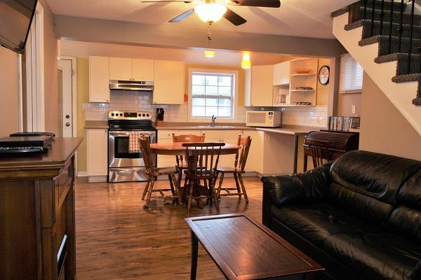 Happy Daze Cottage - Living Room - Crystal Beach Cottage Rentals
