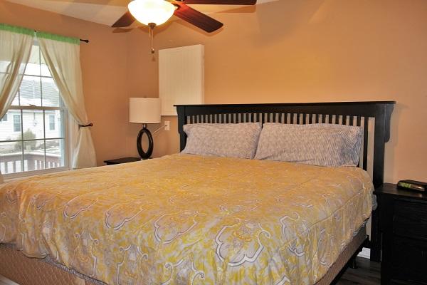Happy Daze Cottage - Master Bedroom King size bed - Crystal Beach Cottage Rentals