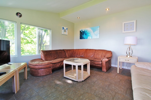 Swell Highview House Living Room Crystal Beach Cottages For Download Free Architecture Designs Embacsunscenecom
