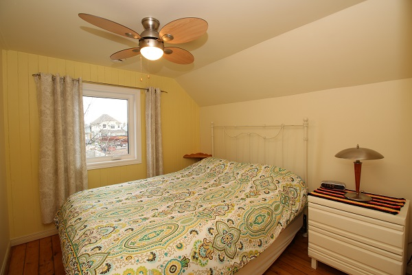 Sandy Shores - Bedroom 2 (queen bed) - Crystal Beach Cottage Rentals