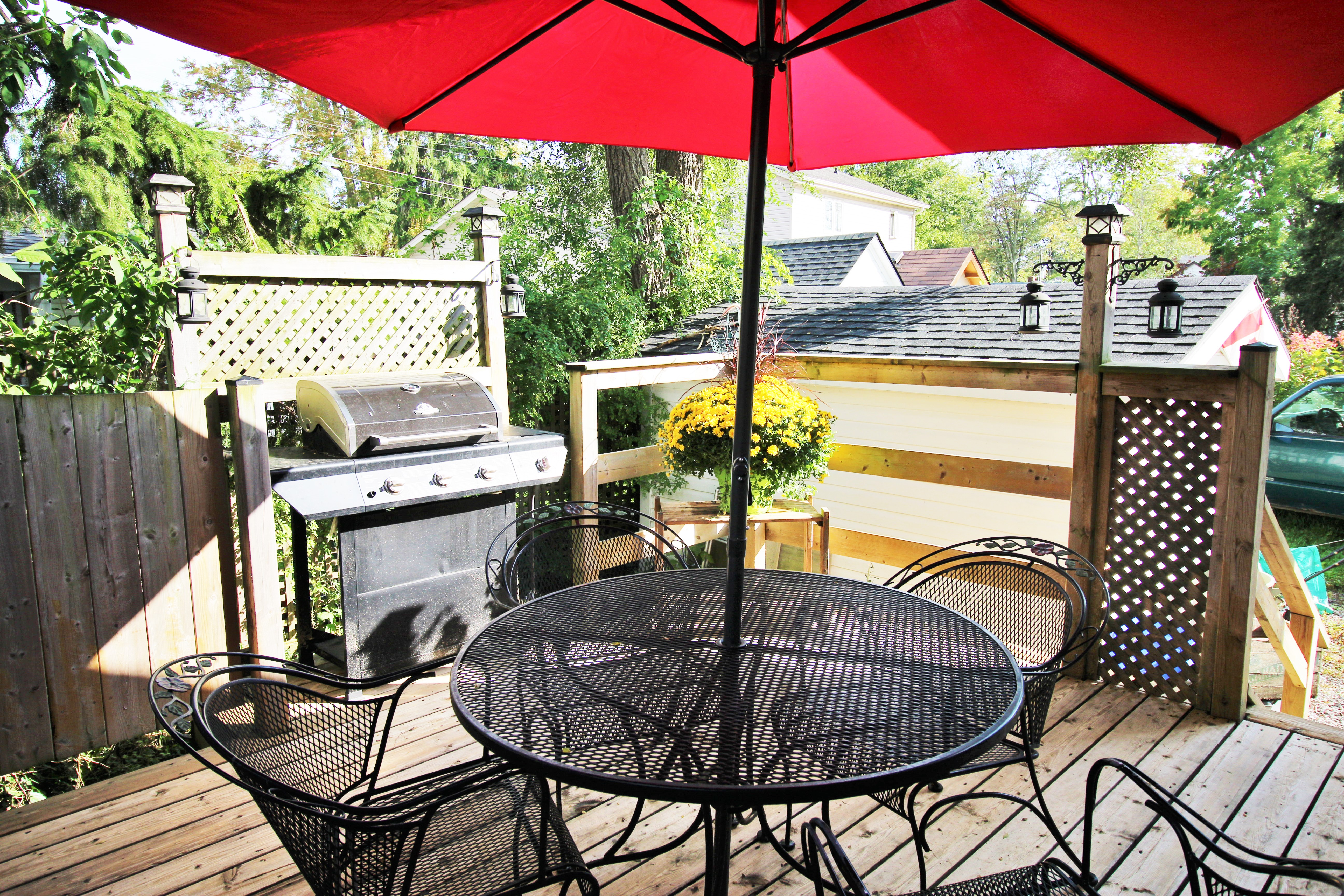 Cambridge Cottage - BAck Deck 2 - Crystal Beach Cottages for Rent - Lake Erie