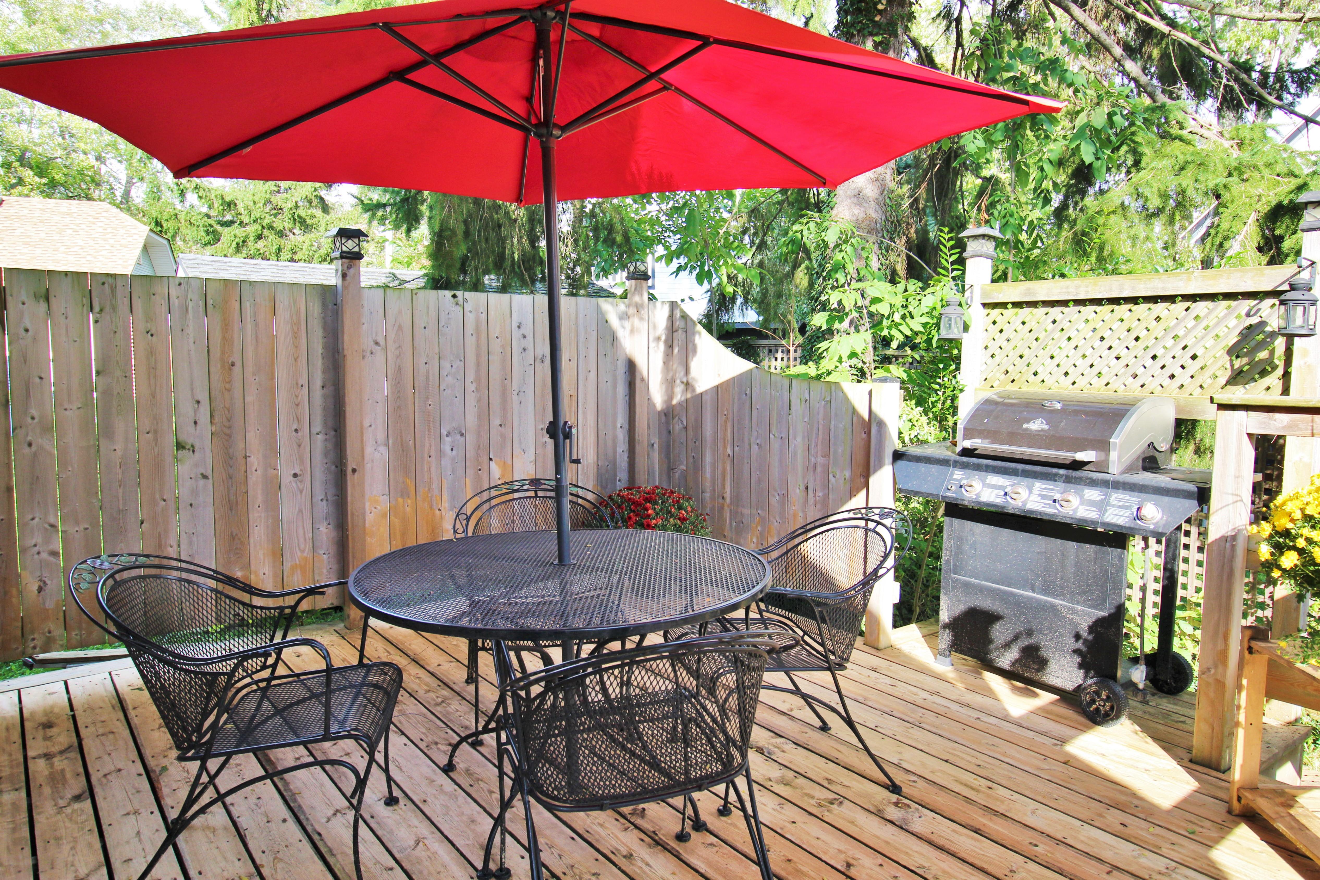 Cambridge Cottage - Back Deck 2 - Crystal Beach Cottage Rentals - Lake Erie