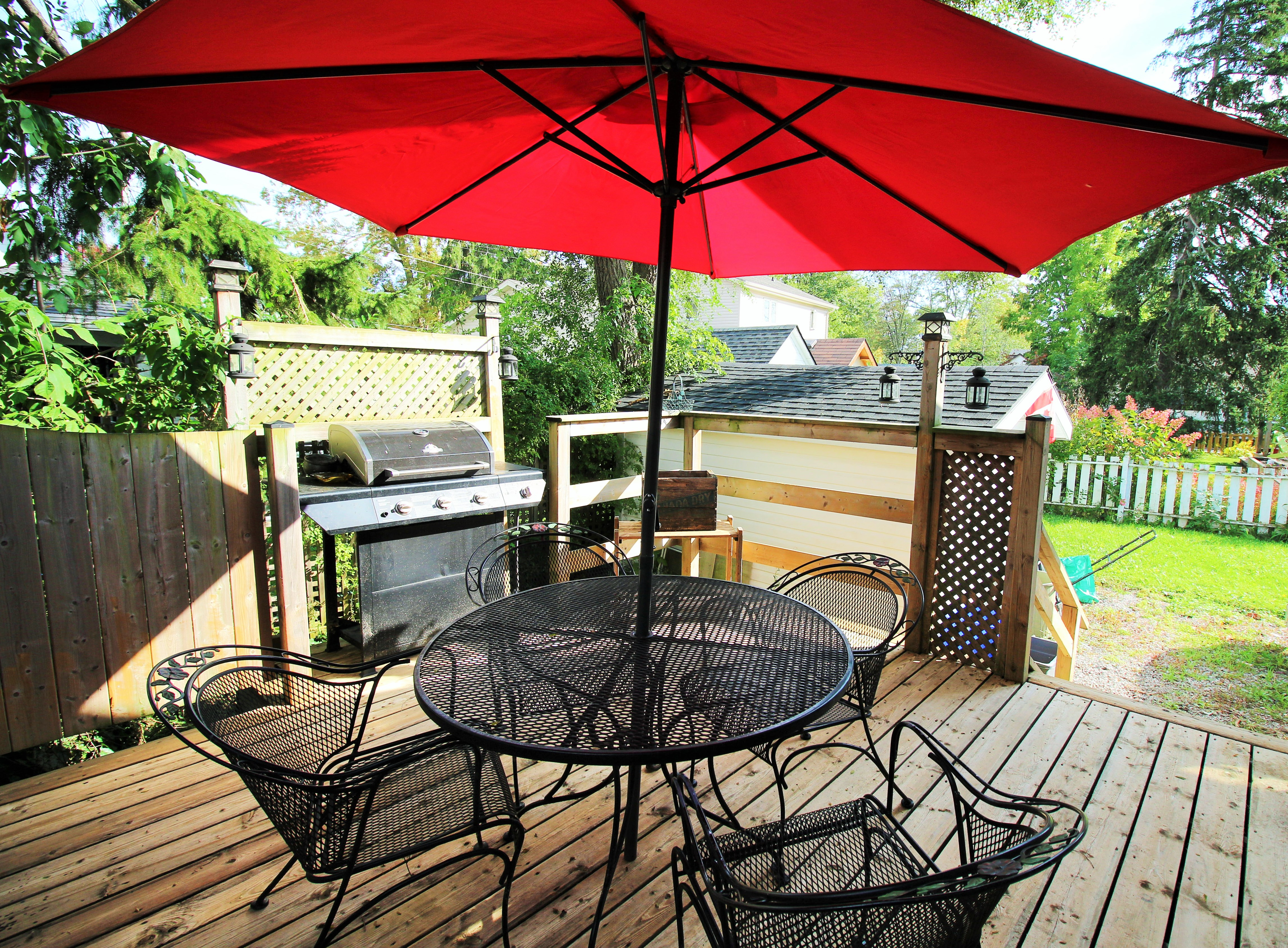 Cambridge Cottage - Back Deck - Crystal Beach Cottages for Rent - Lake Erie