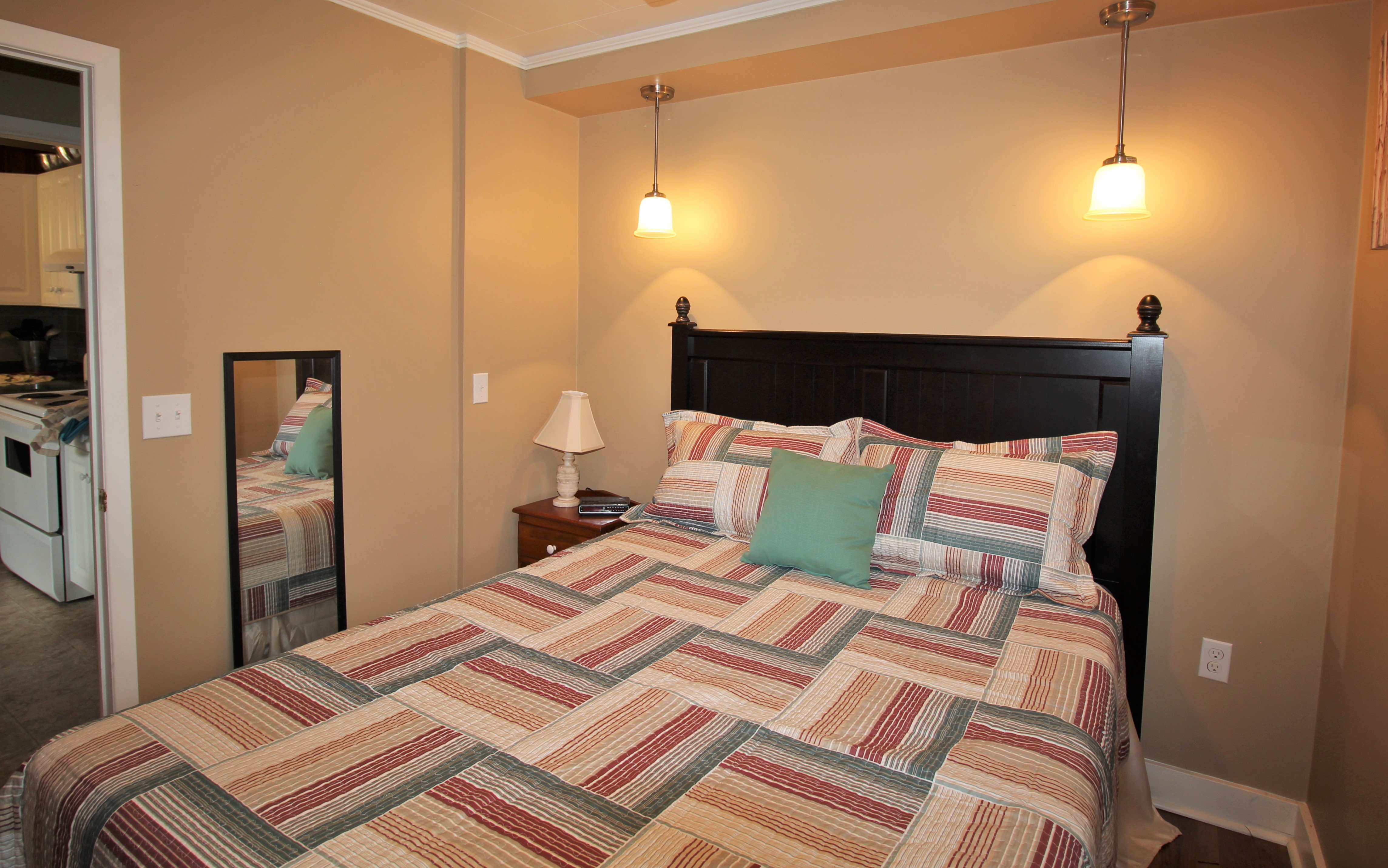 Cambridge Cottage - Bedroom 2 Queen Bed - Crystal Beach Cottage Rentals - Lake Erie
