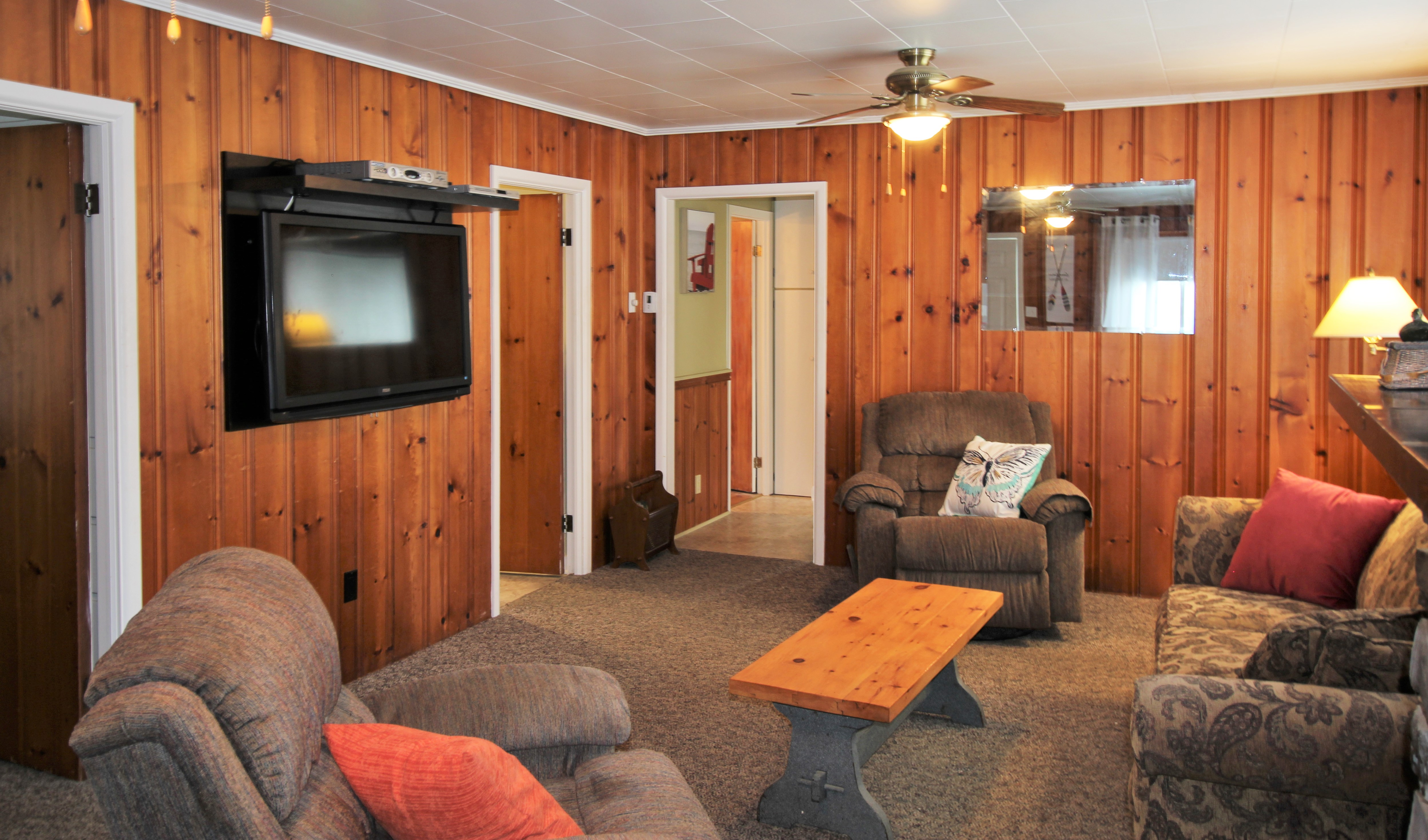 Cambridge Cottage - Living Room 2- Crystal Beach Cottage Rentals - Lake Erie
