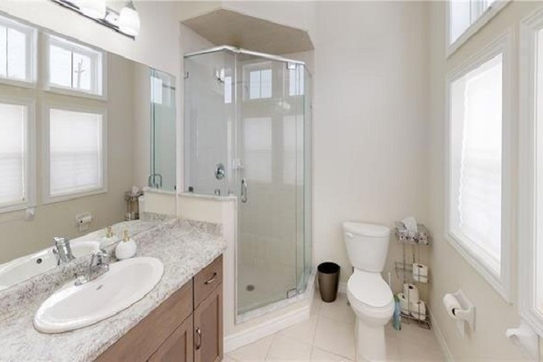 Master En-suite Bathroom - Breezy Cove Summer House - Crystal Beach Cottage Rentals - Lake Erie - Niagara Falls