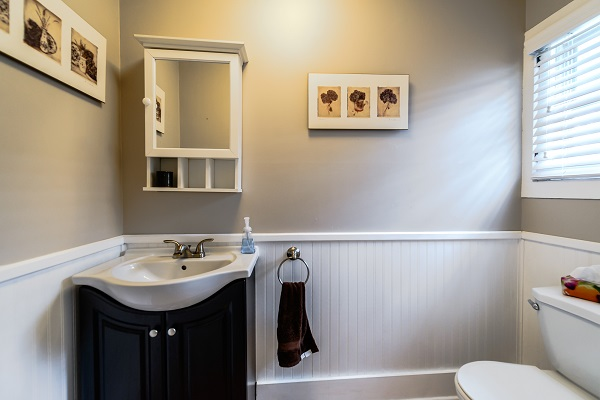 Bathroom 2 - Shady Sands Retreat - Crystal Beach Cottage Rentals - Lake Erie