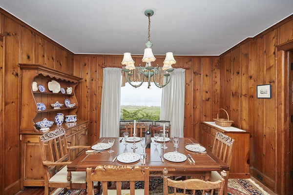 Windmill Point Place - Dining Area - Beachfront - Lake Erie Cottage Rentals