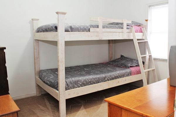 Beach Breeze Cottage - Bedroom (Twin Bunkbed) - Crystal Beach Cottage Rentals