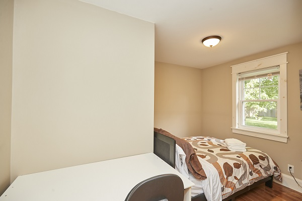 Rise N Shine - Bedroom 2 - Crystal Beach Cottage Rentals - Ridgeway ON