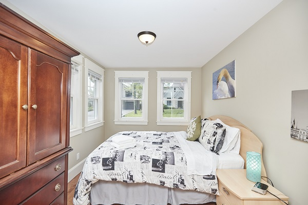 Rise N Shine - Bedroom 3 - Crystal Beach Cottage Rentals - Ridgeway ON
