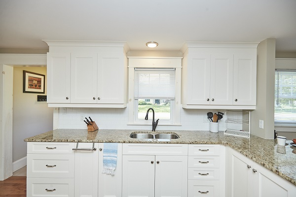 Rise N Shine - Kitchen - Crystal Beach Cottage Rentals - Ridgeway ON - 3