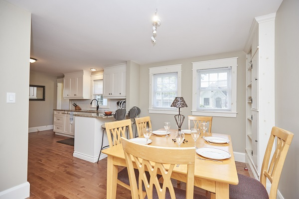 Rise N Shine - Kitchen - Crystal Beach Cottages For Rent - Ridgeway ON - 2