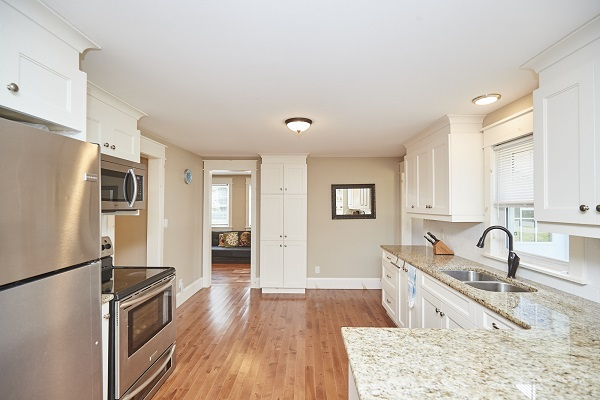 Rise N Shine - Kitchen - Crystal Beach Cottages For Rent - Ridgeway ON - 3