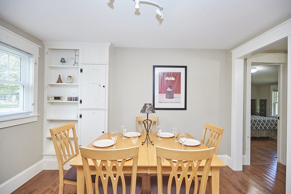 Rise N Shine - Kitchen Dining Area - Crystal Beach Cottage Rentals - Ridgeway ON - 2