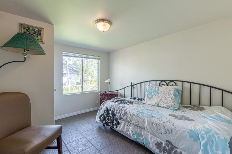 Small - 3876 Terrace Lane - 32