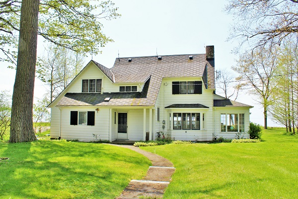 Windmill Point Place - Waterfront - Lake Erie Cottage Rentals