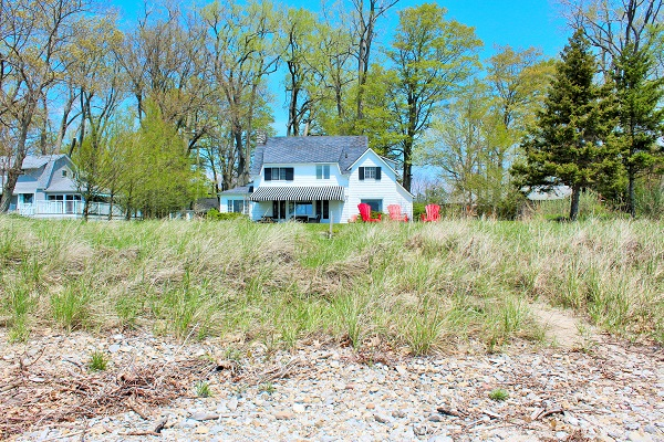 Windmill Point Place - Waterfront - Private Beach - Lake Erie Cottage Rentals (2)