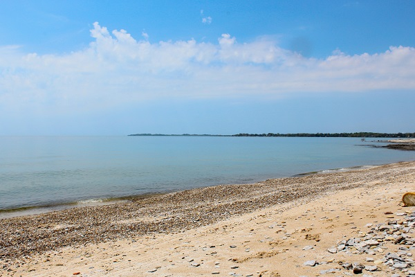 Windmill Point Place - Waterfront - Private Beach - Lake Erie Cottage Rentals