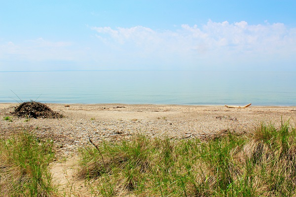 Windmill Point Place - Waterfront - Private Beach - Lake Erie Cottages for Rent (2)