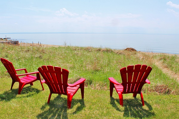 Windmill Point Place - Waterfront - Private Beach - Lake Erie Cottages for Rent