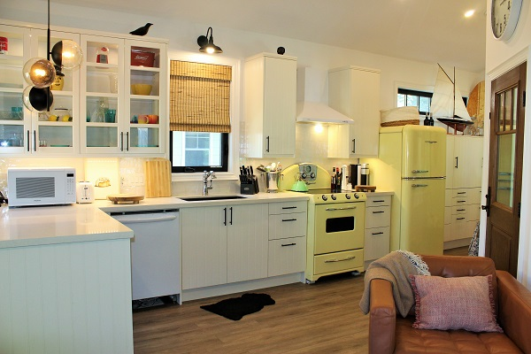 Summer Wind - Kitchen4 - Holiday Homes Property Management - Crystal Beach Cottage rentals
