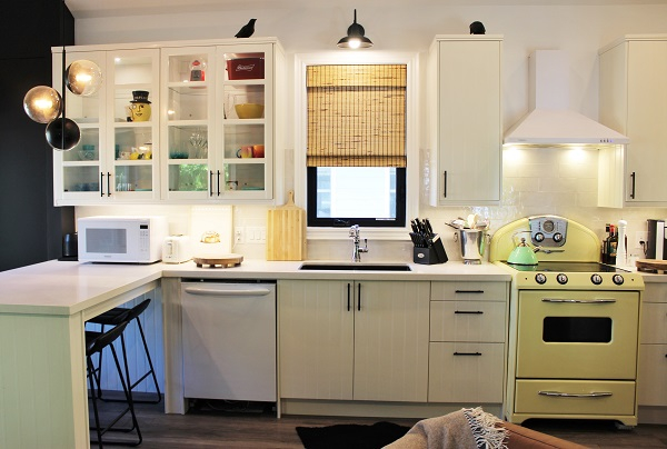 Summer Wind - kitchen 3 - Holiday Homes Property Management - Crystal Beach Cottage rentals